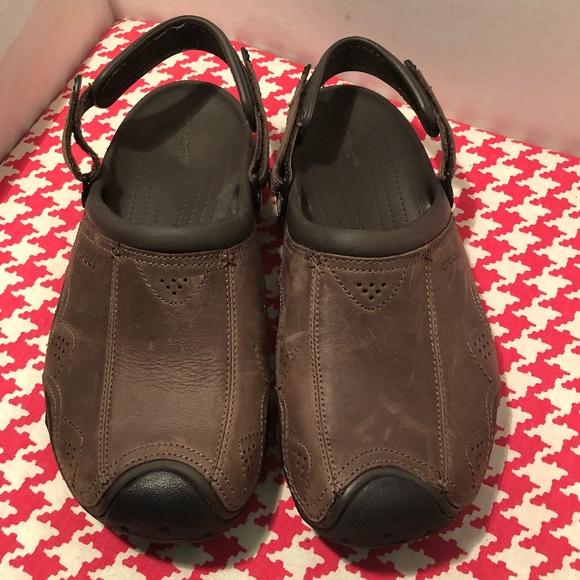 niepokonany x atrakcyjna cena duża zniżka Crocs Men's Swiftwater Leather Clogs